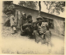 PHOTO ANCIENNE - VINTAGE SNAPSHOT - MILITAIRE FUSIL ARME INSTRUCTION - MILITARY