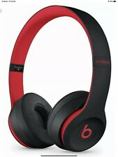 Beats by Dre Solo 3 Wireless Bluetooth Over the Ear Headphones Black & Red