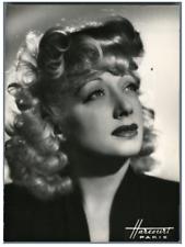 France, Suzy Prim, actrice française  Vintage . Photo Harcourt  Tirage argen