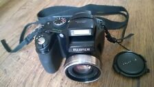 FUJIFILM FinePix S5700 with leather bag