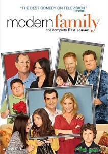 Modern Family: The Complete First Season (DVD, 2010, 4-Disc Set)