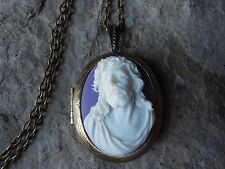 ---JESUS CROWN OF THORNS CAMEO LOCKET -BRONZE, RELIGIOUS, GOD, CHRISTMAS, EASTER