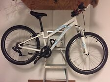 "Specialized HotRock 24"" Girls Bike MTB Mountain Bike 7 Speed Hardtail"