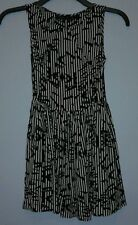 ♡TOPSHOP|BLACK&WHITE STRIPPED GEOMETRIC PRINT SKATER STYLE DRESS|PETITE SIZE 8♡