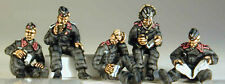 SHQ PP2S 1/76 Diecast WWII Tank Crew Relaxing on Tank-Five Figures in M1938 Cap