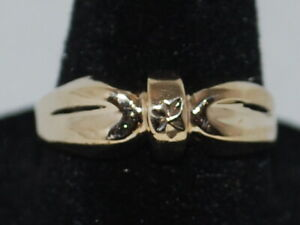 10k Yellow Gold Ring With a Beautiful Design