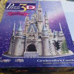 Puzz 3D CINDERELLA'S CASTLE WALT DISNEY 530 Pc Puzzle Complete Or Nearly Complet