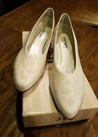 Hush Puppies Woman's Comfort Dress Floral Design Shoes 12 N Petal Bone