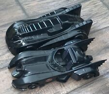 Batmobile with protective cover DC Comic Batman 1989