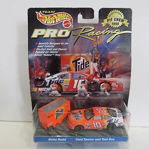 #10 Ricky Rudd NASCAR Hot Wheels 1998 Pro Racing Pit Crew Collector Ed, Diecast