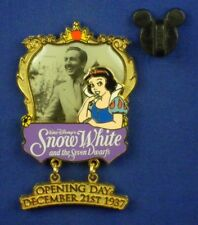 Snow White Dancing with Dopey & Sneezy Apple PinonPin Oc Pin # 38317