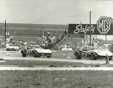 Vintage 8 X 10 1969 Sebring Owens Corning Corvettes & Costanzo Corvette