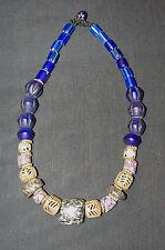 collier ethnique du Mali en perles de verre bronze et granit Afrique trade beads