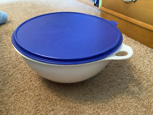 Tupperware - Thatsa Bowl - 32 cup - White with Blue Seal