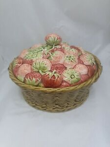 Antique Sarreguemines Faience Strawberry Basket C19th France Dish & Cover