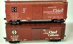 "HO Scale Lot of (2) Vintage Athearn & Varney ATSF Santa Fe ""Chief"" 40' Box Cars"