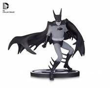 BATMAN Black & White Statua di Batman da Tony MILLIONAIRE UK Venditore