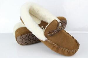 Tommy Bahama Women's Bliss Cozy Moccasin Suede Slippers Chestnut