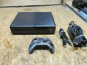 Microsoft Xbox One 1540 500GB Console         (lot A3287)