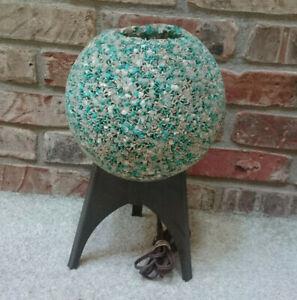 Vtg MID CENTURY TURQUOISE & OFF-WHITE POPCORN BALL TV LAMP 3 LEG PLASTIC STAND