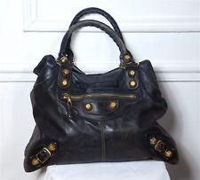 Sac en cuir souple BALENCIAGA modèle VELO. Motorcycle leather bag. Etat moyen