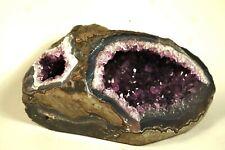 Geode D'Amethyste d'uruguay 1kg bord poli avec deux entrées amethyste
