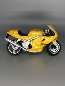 Maisto Triumph Motorcycle Yellow 955i Daytona