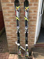 Ski's Skiing