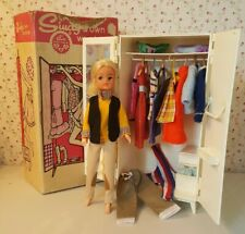 Vintage Lovely Lively Sindy Doll With Wardrobe & Clothes 60's 70's 80's
