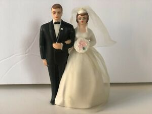 Vintage Wilton Wedding Cake Topper of Bride and Groom Porcelain