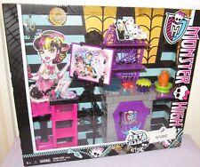 Monster High Art Class Studio Playset NRFB 2013 #BDD83 Furniture, Accessories