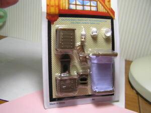 "Miniature Dollhouse 8 Pc Plastic Bedroom Set 1/4"" Scale 1:48"