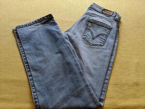 Levi`s  Strauss & CO Mädchen Jeans - Mod. 524, Gr: 28x32, guter Zustand