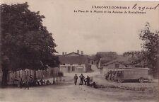 MEUSE - DOMBASLE EN ARGONNE - PLACE DE LA MAIRIE - AUTOBUS DE RAVITAILLEMENT - C