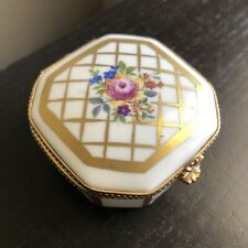 Vintage Antique Limoges France Peint Main Trinket Pill Box Gilt Gold Flowers Art