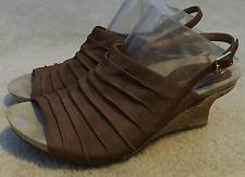 Earthies Kelderra Wedge Rock Sandals Women's Brown Suede  Leather  Sz. 10 B $149