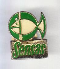 RARE PINS PIN'S .. SPORT PECHE FISHING POISSON SENSAS CANE APPATS VERT BEIGE ~CQ