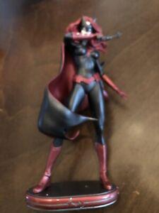 "DC Collectibles Comics Cover Girls: Batwoman Statue 7"""