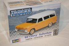 Chevrolet '66 Suburban - 1:25 - Revell USA