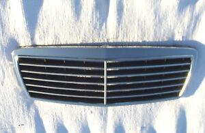 1996-1999 Mercedes-Benz W210 e320 e420 e430 Chrome Grill Nice used OEM Grille