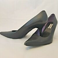 Steve Madden Black Stiletto Pump Heel Womens Size 8.5 Pointy Closed Toe Perfect