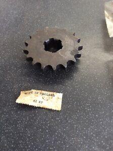 BSA 42-0089 B31 B33 ALTERNATOR ENGINE SPROCKET.17T.  Genuine Nos
