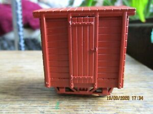 On30 4 Wheeled Box Car With Bar Frame Truck Chassis Kit