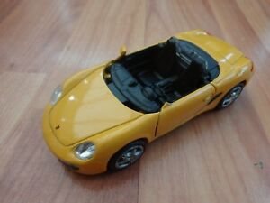 WELLY 1/36 CLASSIC YELLOW PORSCHE BOXSTER S COLLECTABLE DIECAST MODEL CAR