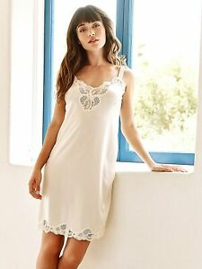 Ilusion Women's Lace Inset and Hem Satin Full Slip 2012
