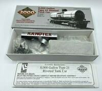 Proto 2000 HO 8,000 Gallon Type 21 Riveted Tank Car Kanotex 8383 Limited Edition