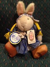 Hoppy BUNNY Dressed in Dutch Treat New with Tags