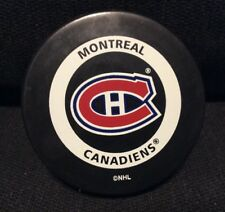 Montreal Canadiens NHL 2000 Souvenir Official Game Hockey Puck In Glas Co VG