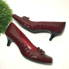"""Bandolino Red Crocodile Embossed Size 10 Shoe 2"""" Heel Rubber Sole Faux Leather"""