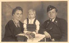 Deutscher Panzer Soldat Schwarze Uniform mit Familie
